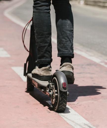 E-Scooter anschubsen